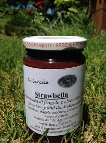 Strawbella – La marmellata di fragole al cioccolato dell'agriturismo il Cavicchio
